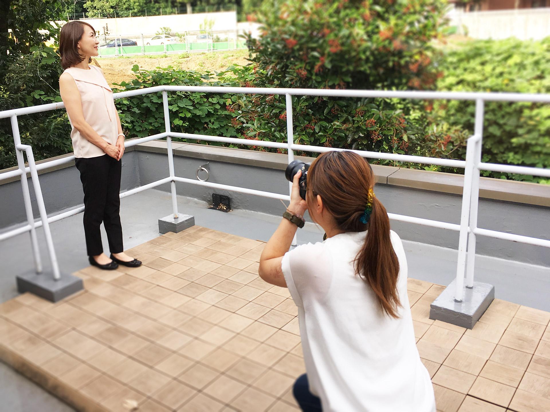 どんな人?あなたの写真が見えることは信頼や安心を与える重要なポイント。グラマラスエイチ麻布広尾はそんなお手伝いができる写真撮影のサービスもご用意しております!