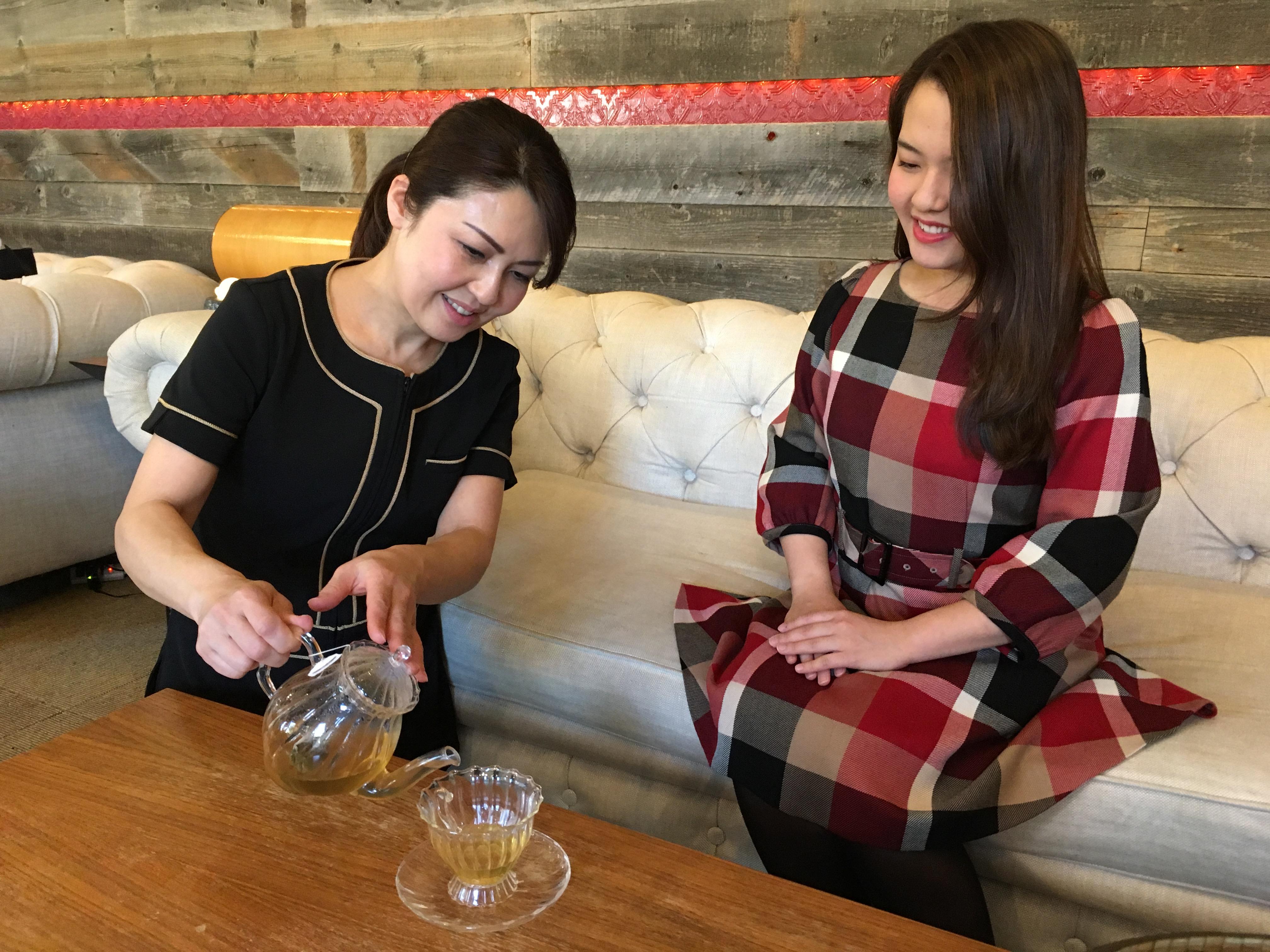 レンタルサロン グラマラスエイチ麻布広尾がこだわるハーブティーのラインナップに最高品質のオーガニック成分を取り入れた『Yogi tea』を追加しました。
